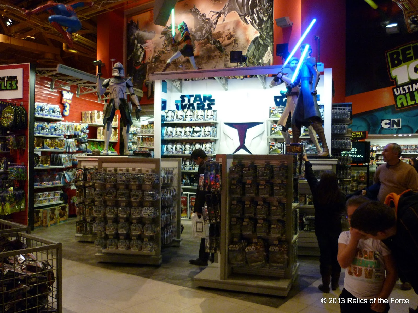 relics of the force new york toy store tour. Black Bedroom Furniture Sets. Home Design Ideas