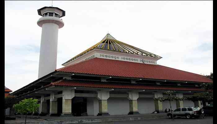 Tempat Wisata Di Surabaya Yang Murah dan Yang Gratis - Masjid Ampel