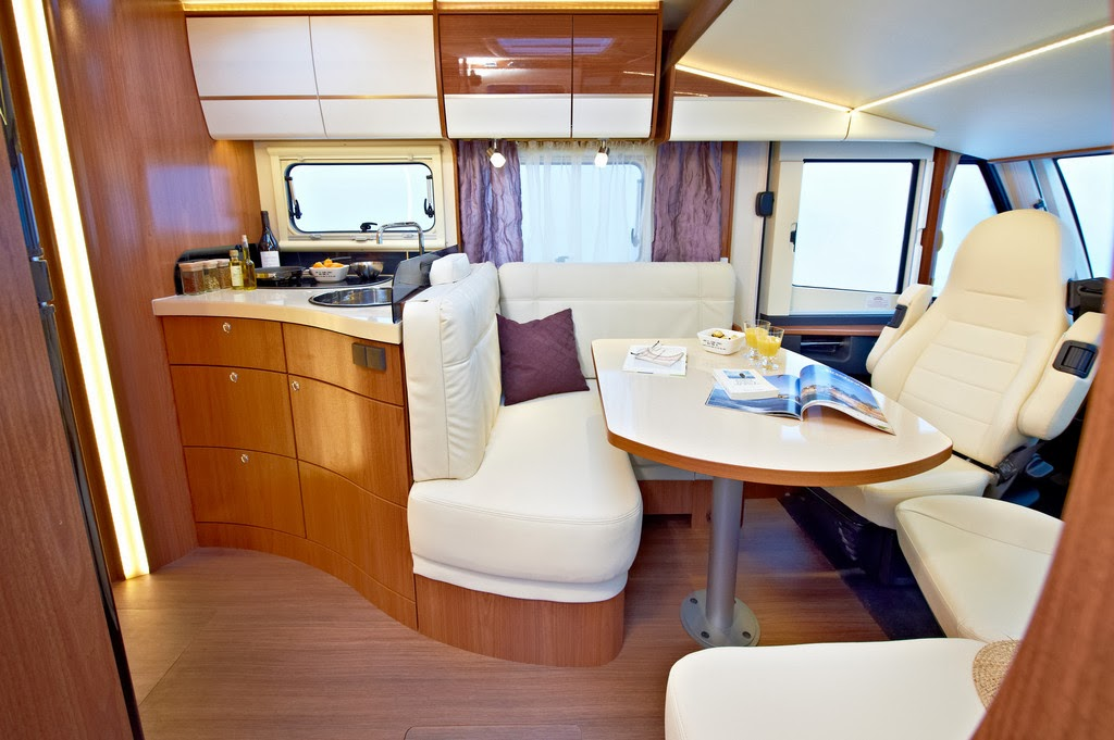 camper stuebchen cmt 2014 neue editionsmodelle von eura mobil. Black Bedroom Furniture Sets. Home Design Ideas