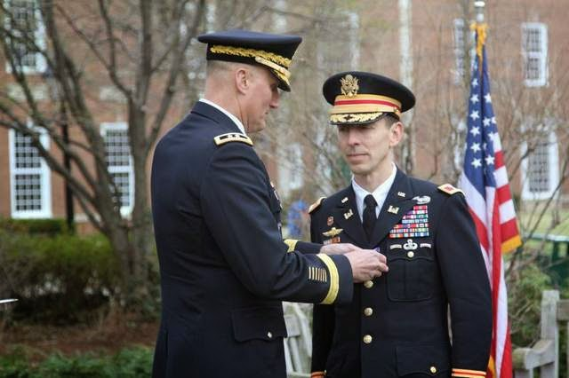 Military News - Army (and Boston) Strong: Colonel awarded for heroism at marathon