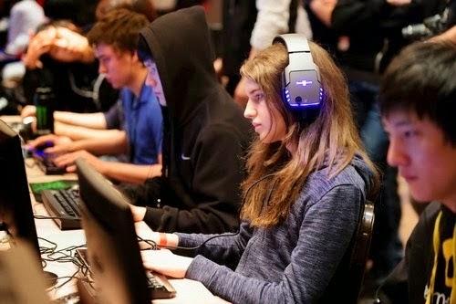 Gamer Wanita Dengan Bayaran Tinggi