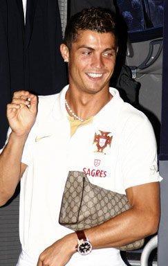 Man Bag Fail That S A Frikkin Louis Vuitton Purse