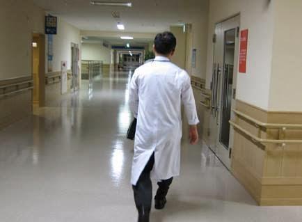 طبيب قام بفعل لا يصدقة عقل دكتور طب اطباء الطب مستشفى - doctor hospital