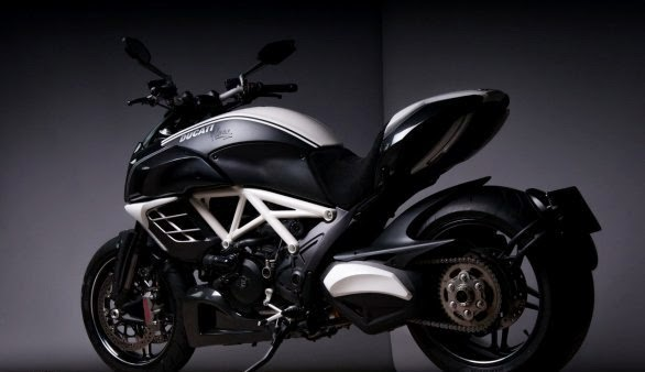 Ducati Daivel Carbon Bikes