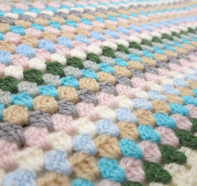 ByHaafner, pastel, crochet, granny stripe, granny chic, work in progress, cushions