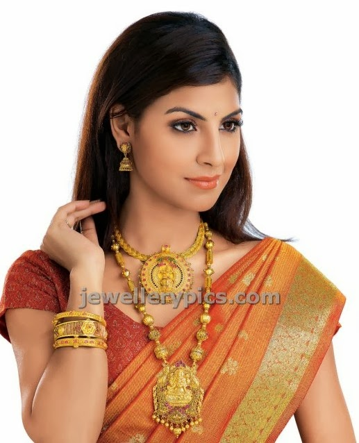 model in jewellery ad with gold