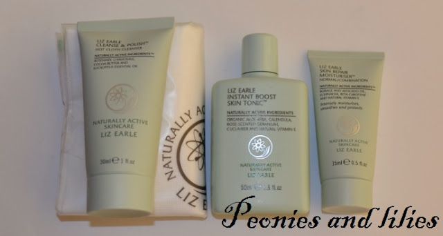 Liz earle Cleanse and polish, Liz earle muslin cloth, liz earle instant boost skin tonic, Liz earle skin repair moisturiser, Giveaway, Liz earle skincare, Liz earle giveaway