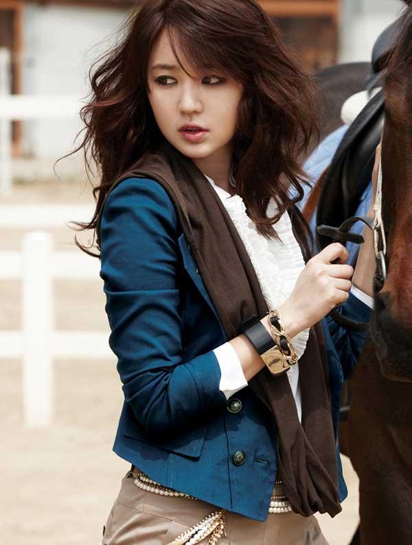 Foto Cantik Artis Korea Yoon Eun Hye