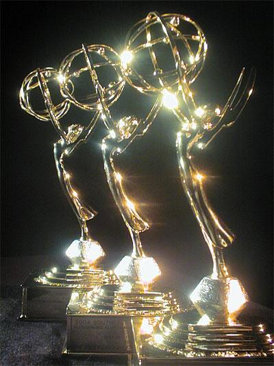 http://4.bp.blogspot.com/-n2tZuhZIftA/TeZ5yEAXGfI/AAAAAAAAHok/T4bDrexDCfw/s1600/emmys-statue1.jpg