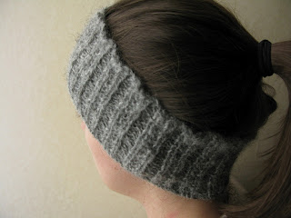 Beaded rib headband free knitting pattern by Littletheorem. Handspun yarn, quick easy knit.