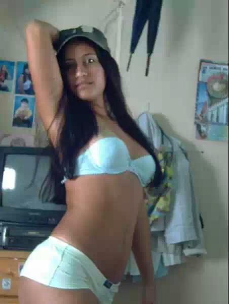 desi baby simmy hot nude photos by her roommate   nudesibhabhi.com