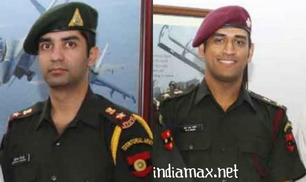 ms dhoni lieutenant colonel pictures honorary indian army