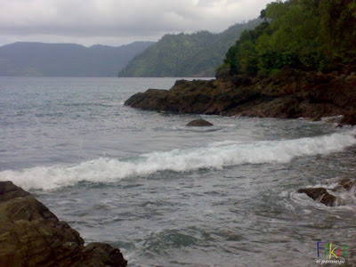 ombak pantai prigi tulungagung