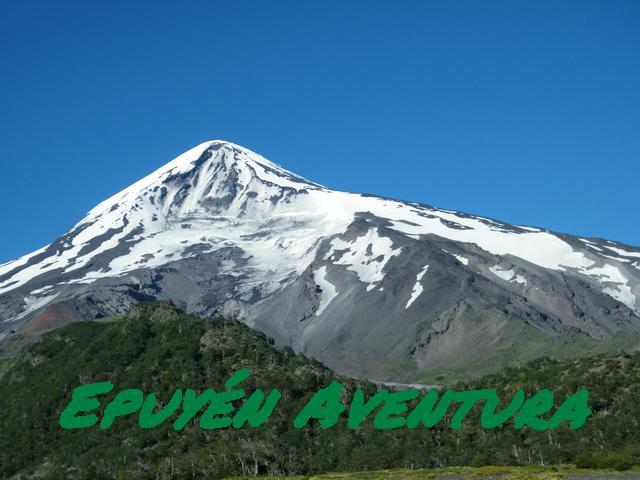 Panorámica del Volcán Lanín - Patagonia Andina