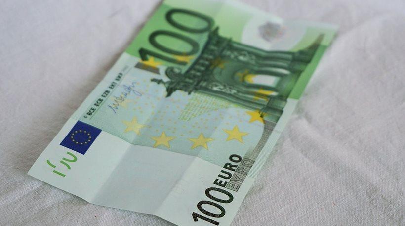 Βρήκε 100 ευρώ και τον καταδίκασαν για κλοπή!