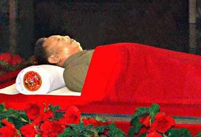 Kim Jong Il embalsamado