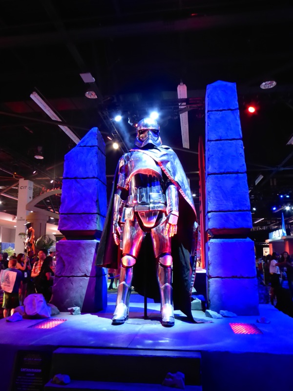 Star Wars: Episode VII Captain Phasma chrome costume