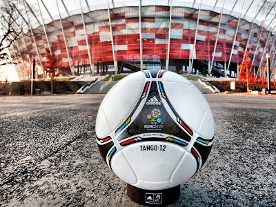 Euro 2012 ball - Wallpaper Official Match Ball EURO 2012