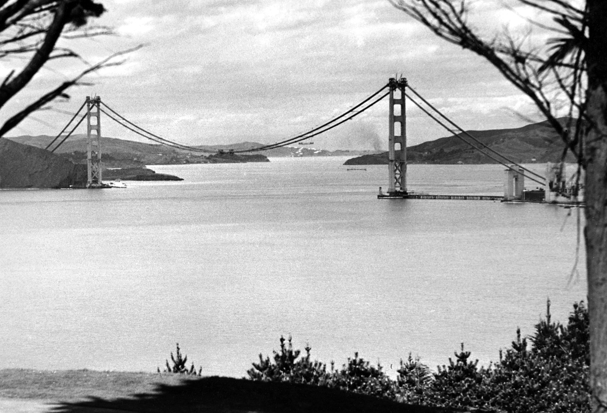 golden gate bridge history On jan 5, 1933, construction began on the golden gate bridge, before it would become the longest bridge in the world at the time and one of.