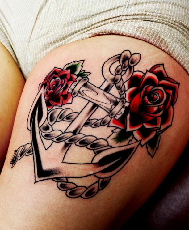 Tatuagem de Ancora e Rosas