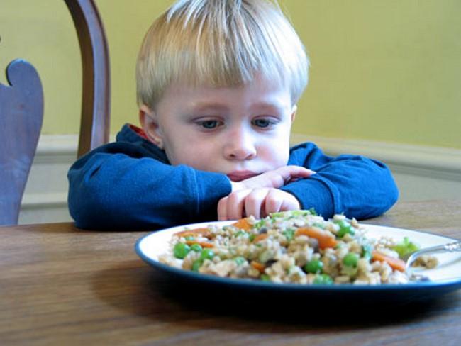 Trẻ con sẵn sàng chê đồ ăn nếu không thấy thích