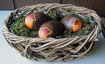 robins, basket, rock painting, painted rocks, Cindy Thomas