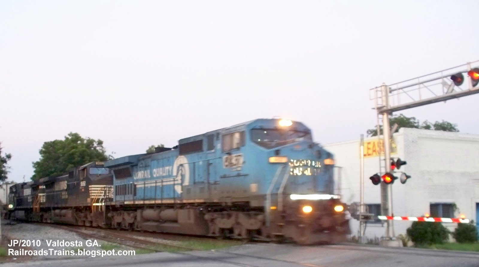 csx conrail merger Csx corp, the friendly merger partner of conrail inc, said late sunday night that it was in discussions with norfolk southern corp over the possible sale of material assets of conrail to norfolk southern after csx and conrail merge.