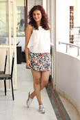 Seerat Kapoor New glam stills-thumbnail-3