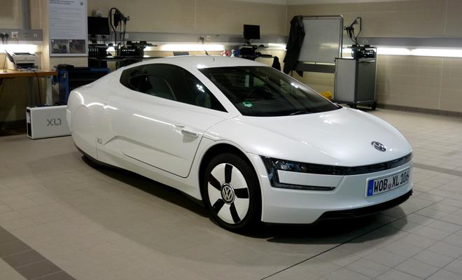 Volkswagen XL1 front view