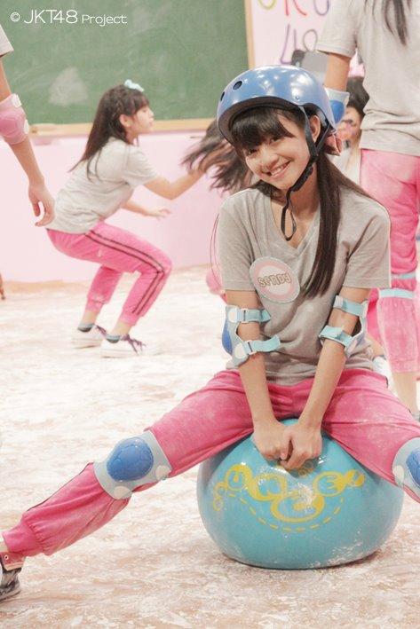 Sendy JKT48 in JKT48 school