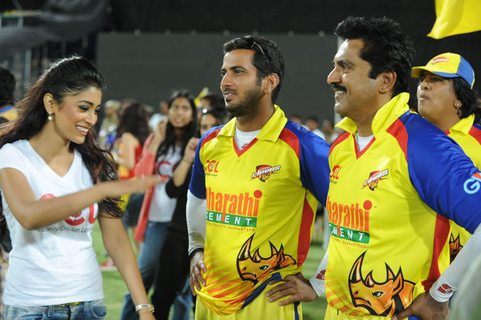 Celebrity Cricket League : Latest News, Videos and Photos ...