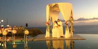 Resepsi Pernikahan Gading-Gisel Eksotis di Bawah Sunset