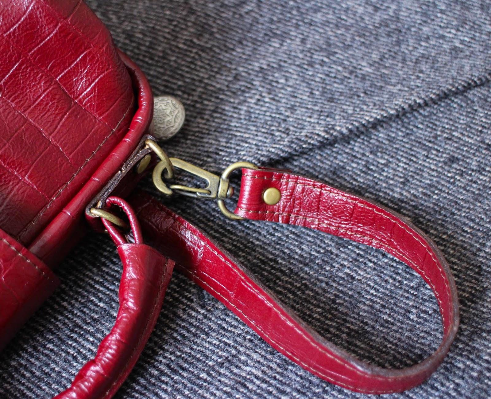 кожаная бордовая сумка