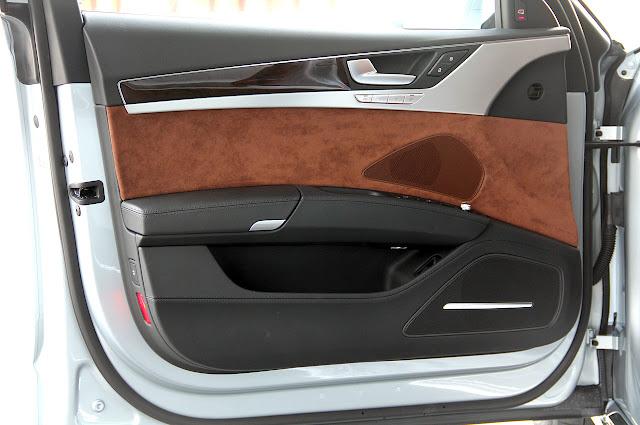 водительская дверь Audi A8 Hybrid 2012 года
