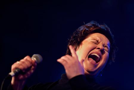 Helle Hansen leder og synger med Sæby Big Band til foråret