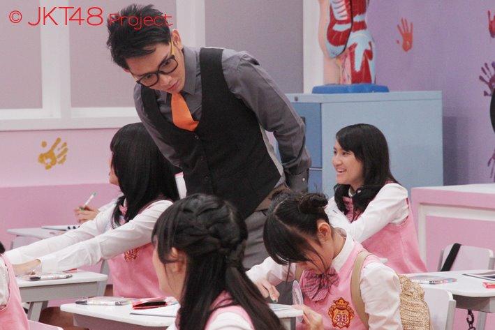 Nabilah JKT48 di omelin john martin :o