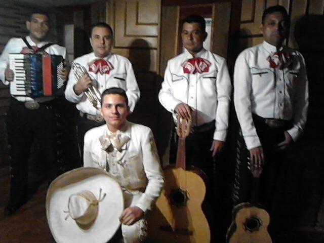 Mariachi Huasteca Show