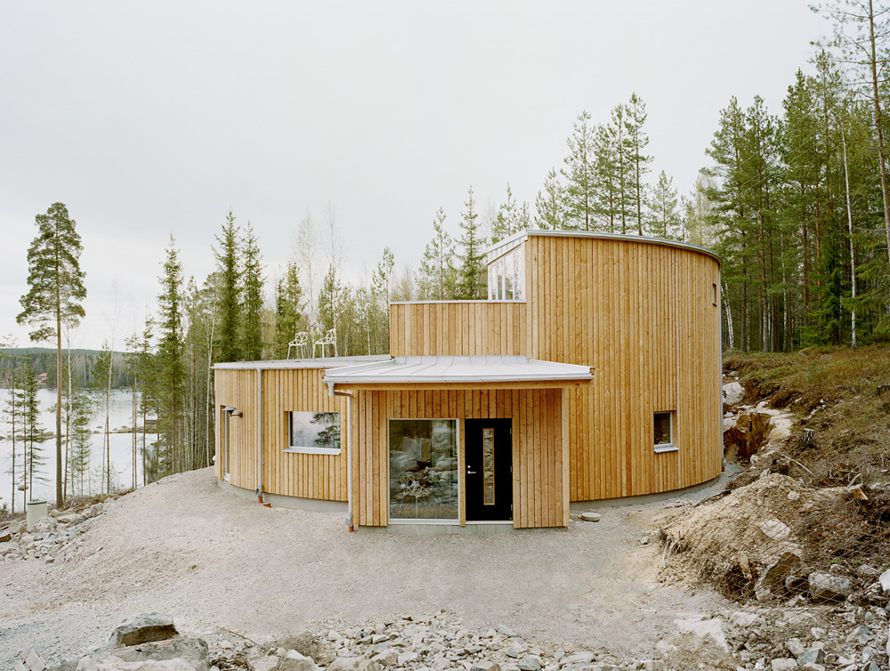 Beautiful houses round passive house sweden for Round home plans