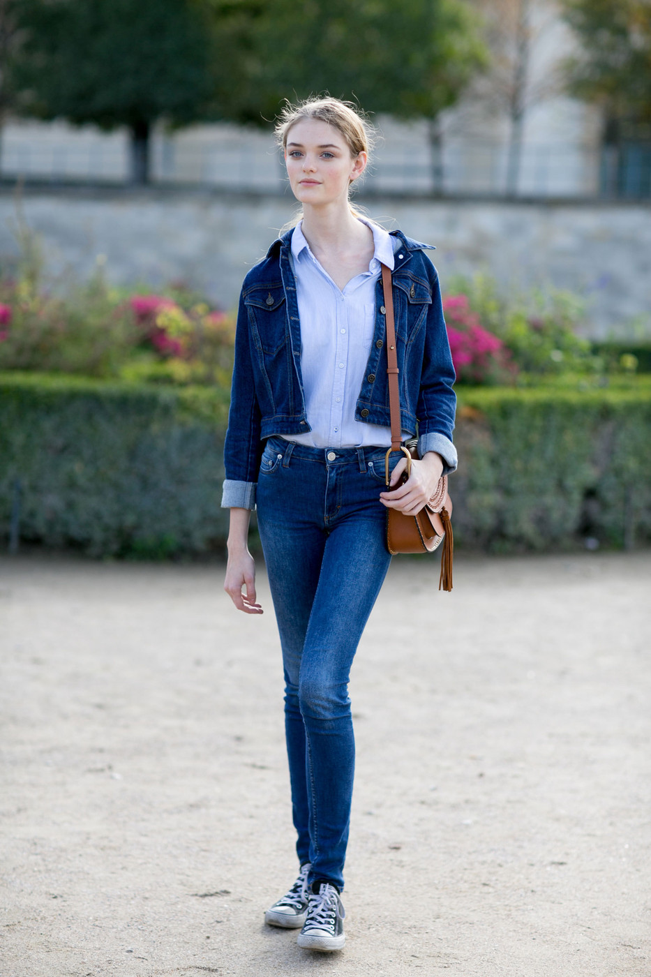 Pfw Street Style Willow Hand Does Double Denim The Front Row View