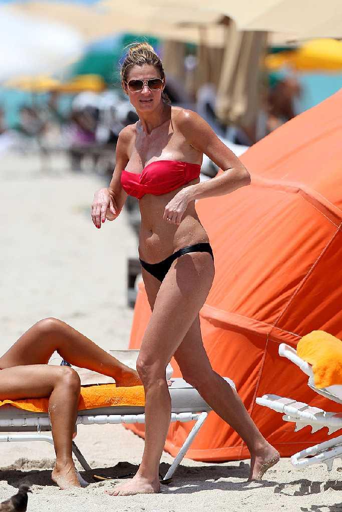 Retro Bikini: Erin Andrews Show - 67.8KB