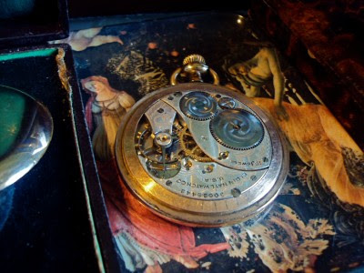HUGE STUNNING ANTIQUE GOLD POCKET WATCH BY ELGIN WORKING, 15 JEWELS. YEAR 1926