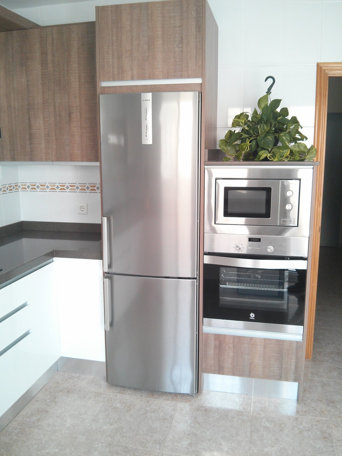 Carpinteria los molinos cocina con modelo de puerta - Modelos de puertas de cocina ...