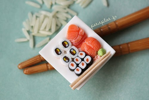 09-Stéphanie-Kilgast-Incredible-Miniature-Foods-Savoury-Sweet-Dishes-Dolls-House-www-designstack-co