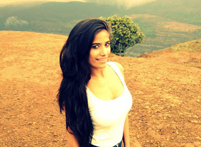 poonam pandey spicy photo gallery