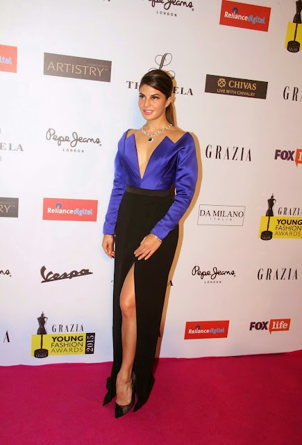 Jacqueline Fernandez Super Sexy Cleavage and Legs Show At Grazia Young Fashion Awards 2015 Red Carpet At Leela Hotel