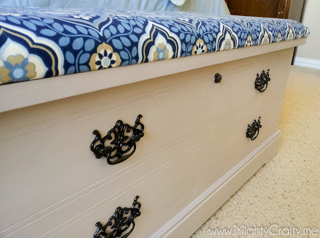Hope Chest Makeover -- www.MightyCrafty.me