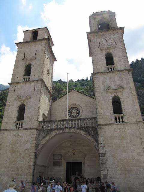catedral kotor, catedral san trifon, santo ortodoxo, reliquias de San Trifon