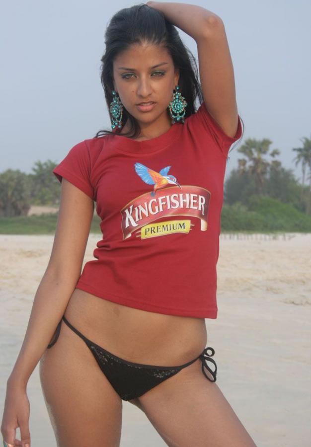 couric-kingfisher-nude-girl-carpenter-body-nude