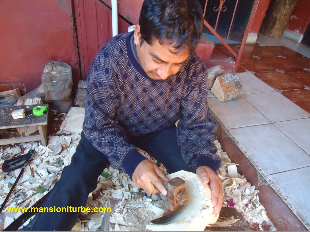 Maestro Modesto Horta tallador de Mascaras en Tocuaro