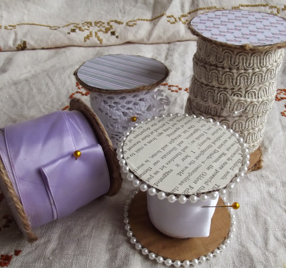toilet roll cardboard craft DIY trim ribbon pearls pins book pages printables roses lace trim